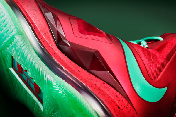 Nike Holiday 2012 LeBron X