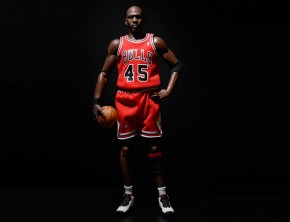ENTERBAY's Real Masterpiece Michael Jordan 'IM BACK' 1/6 Scale Figurine