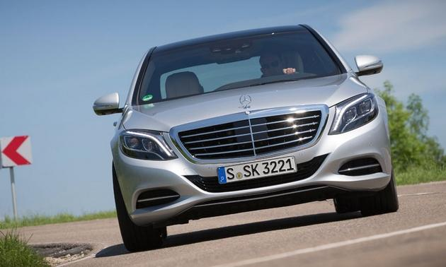 2014 Mercedes-Benz S-Class with Distronic Plus