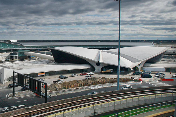 Twa terminal at new york 39 s jfk airport to be converted for Hotel at jfk terminal