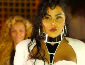 Lil Kim - Looks Like Money (Music Video)