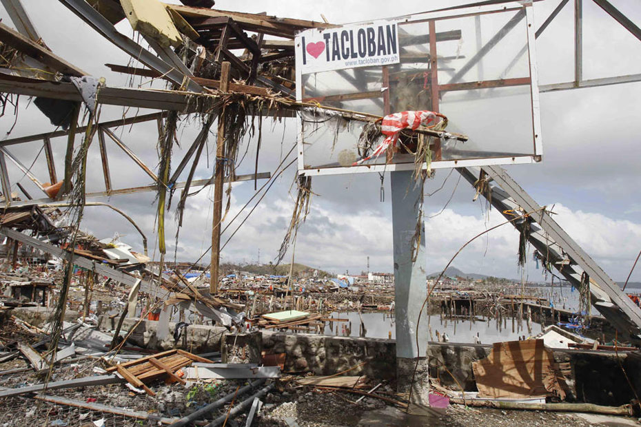 Photos From Typhoon-Ravaged Philippine Islands