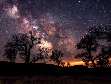 Huelux: Stunning Time-Lapse Of Milky Way, Storms
