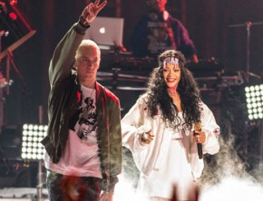 Eminem, Rihanna Perform 'The Monster' At 2014 Movie Awards