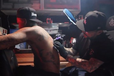 YG Gets First Tattoo From Mister Cartoon