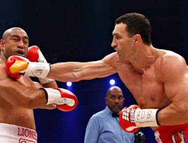 Wladimir Klitschko knocks out Alex Leapai
