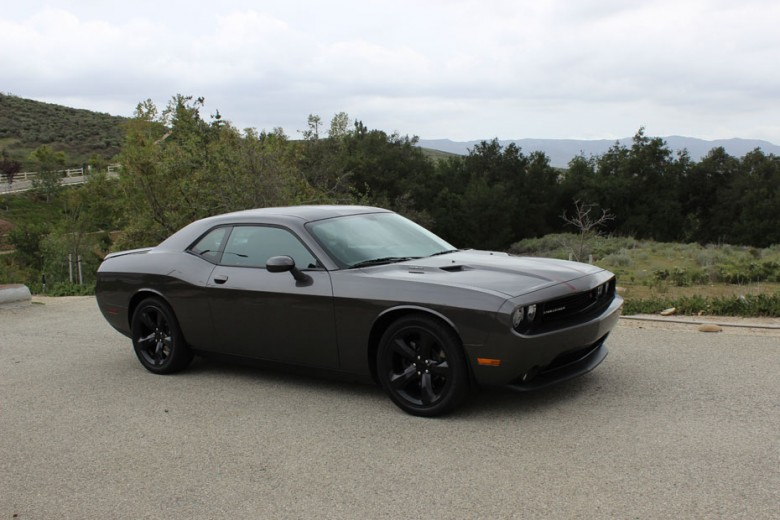 test driving the 2014 dodge challenger r t blacktop. Black Bedroom Furniture Sets. Home Design Ideas