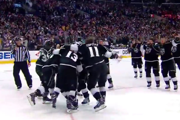 Los Angeles Kings win 2014 Stanley Cup