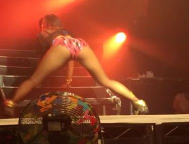 Nicole Scherzinger Twerking In London
