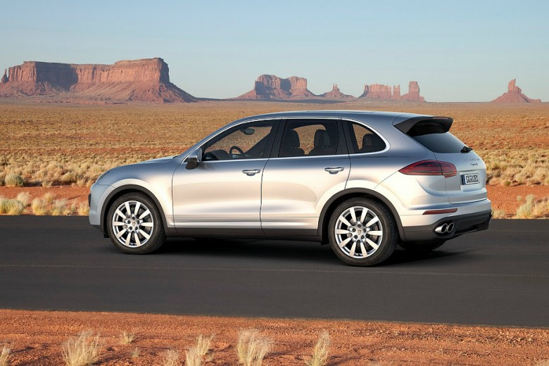 First Glimpse Of The 2015 Porsche Cayenne