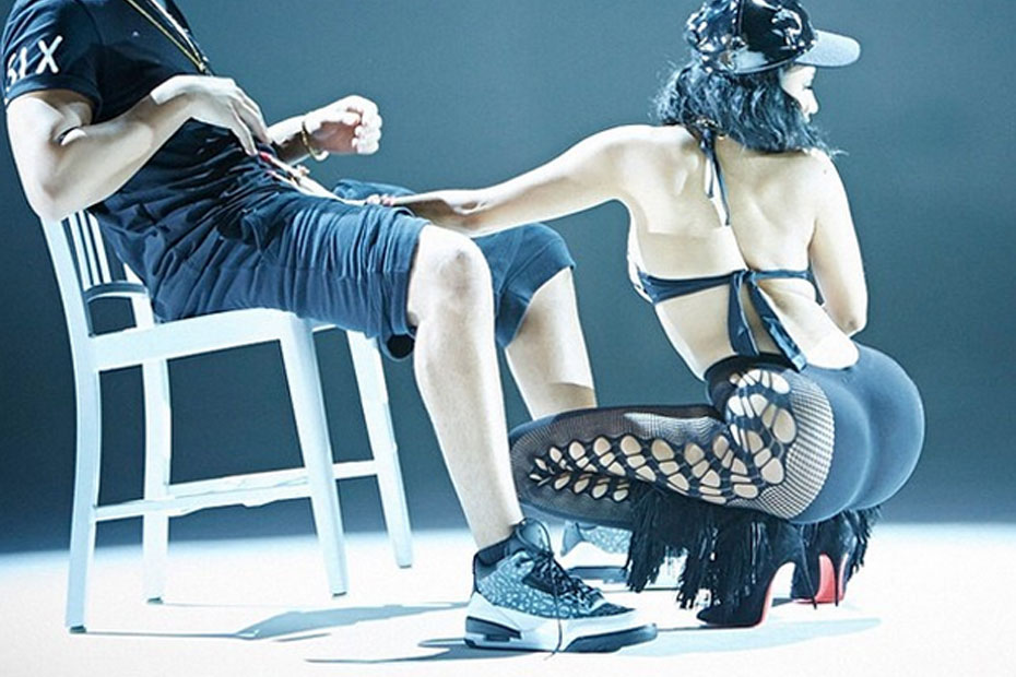 Nicki Minaj gives Drake lap dance in 'Anaconda' video.