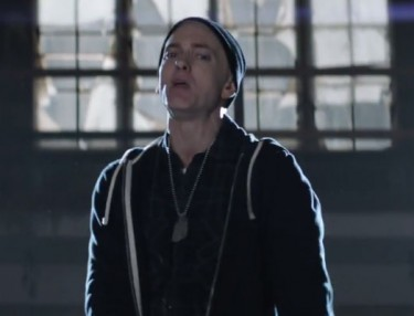 Eminem ft. Sia - Guts Over Fear (Video)