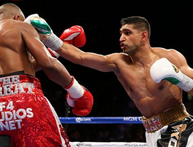 Amir Khan defeats Devon Alexander