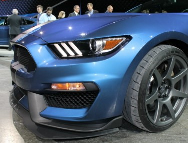 A Closer Look At The New Shelby GT350R Mustang