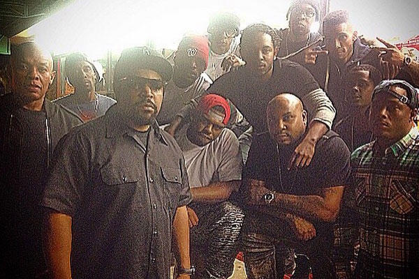 Kendrick Lamar on set of N.W.A. biopic, STRAIGHT OUTTA COMPTON
