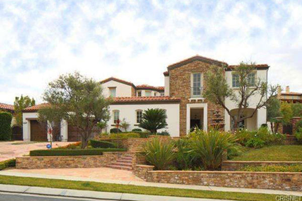 Kylie Jenner Cops $2.7 Million Calabasas Mansion
