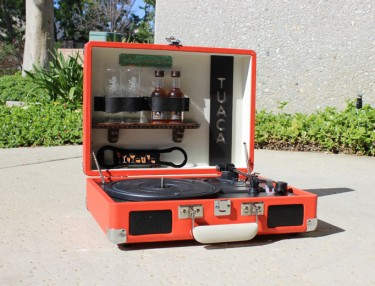 Win A Custom Record Player From Tuaca & #TuacaArt