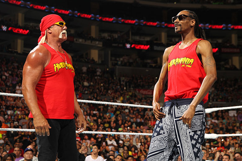 Snoop Dogg Joins Hulk Hogan On 'WWE Raw'