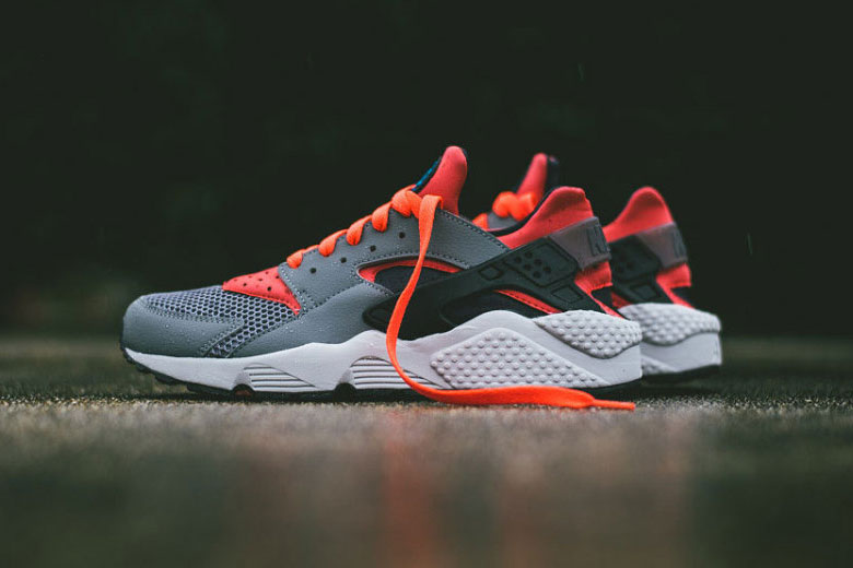 Nike Air Huarache 'Cool Grey/Bright Crimson'