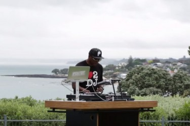 Red Bull x Serato - DJ Jazzy Jeff 'Peter Piper' Routine
