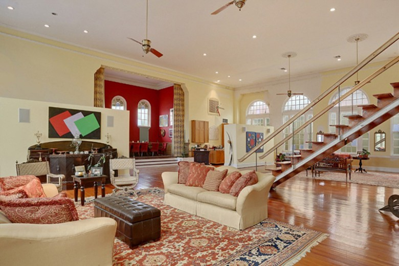 Inside Jay Z & Beyonce's $2.6M New Orleans Mansion