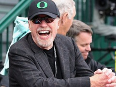 Phil Knight To Step Down As Nike's Chairman