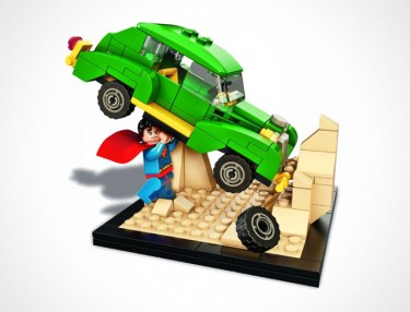 LEGO Recreates Superman #1 For Comic-Con