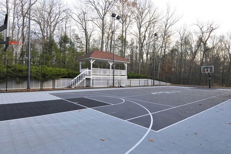 Outdoor Basketball Court | Credit: William Raveis Realty