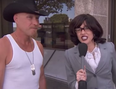 Disguised Miley Cyrus Poses As Street Reporter