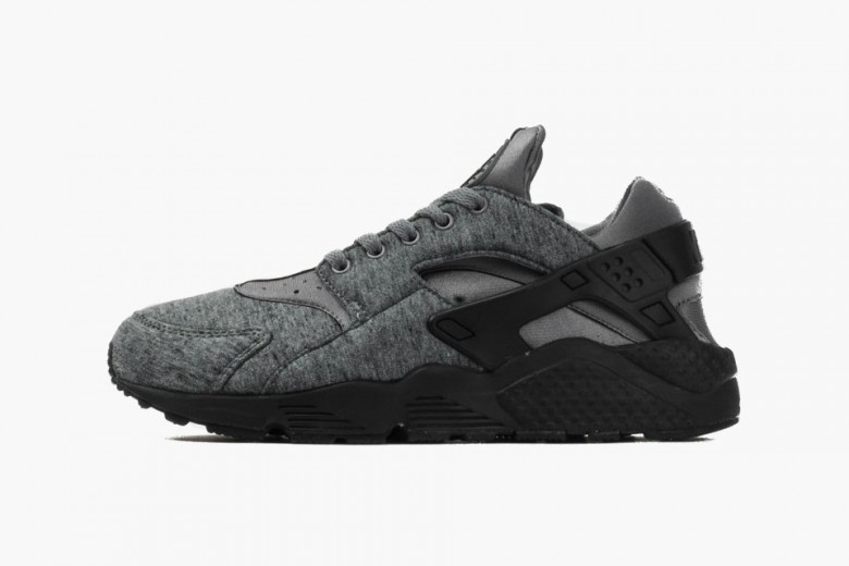 Nike Air Huarache Run - Tech Fleece
