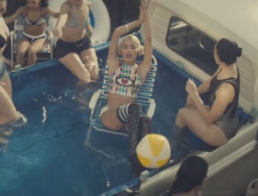 Pia Mia - Touch (Video)
