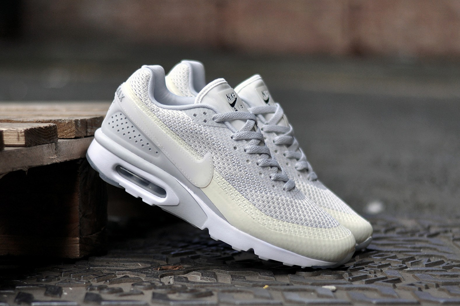 Nike Air Max BW Ultra Knit Jacquard Premium for Men Sail Sail – Pure Platinum 819880 100 Nike, Nike Air Max, Nike Air Max BW, Nike Men