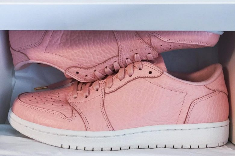 Air Jordan 1 Low 'Swooshless' in Pink