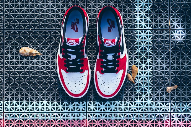 Air Jordan 1 Retro Low OG Chicago
