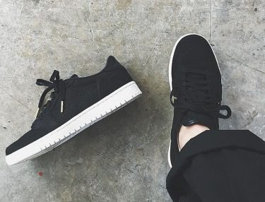 Air Jordan 1 Low Swooshless
