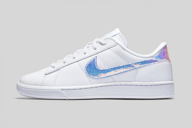 Nike 2016 Women's Iridescent Pack