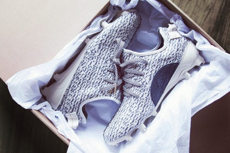 Von Miller shows off new Yeezy cleats