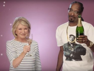Martha & Snoop's Potluck Dinner Party (Trailer)