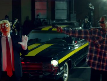Snoop Dogg Pulls Gun On Clown Parody of Donald Trump