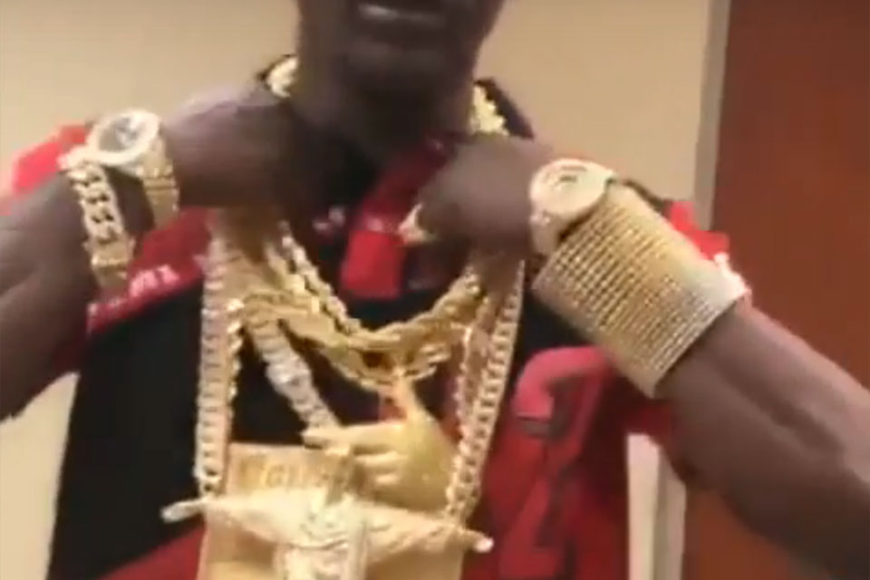 Boosie Flexes With $1M in Jewelry