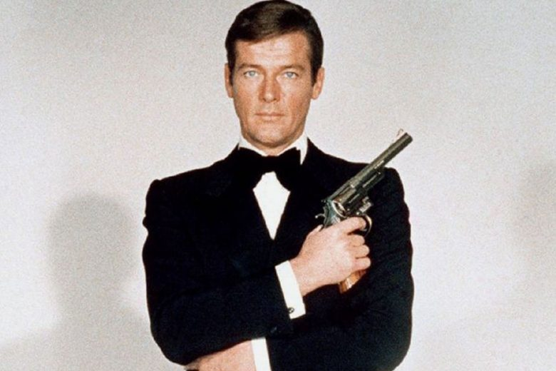 Daniel Craig leads James Bond star tributes to Roger Moore
