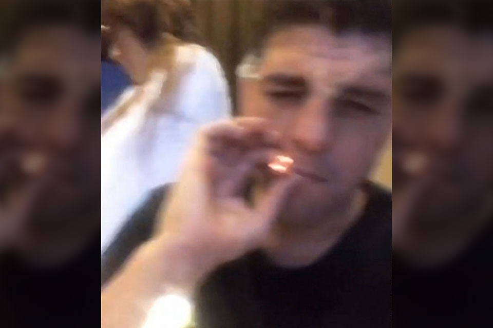 UFC Fighter Nick Diaz Blazes Up Fat Joint Hours After Doping Suspension
