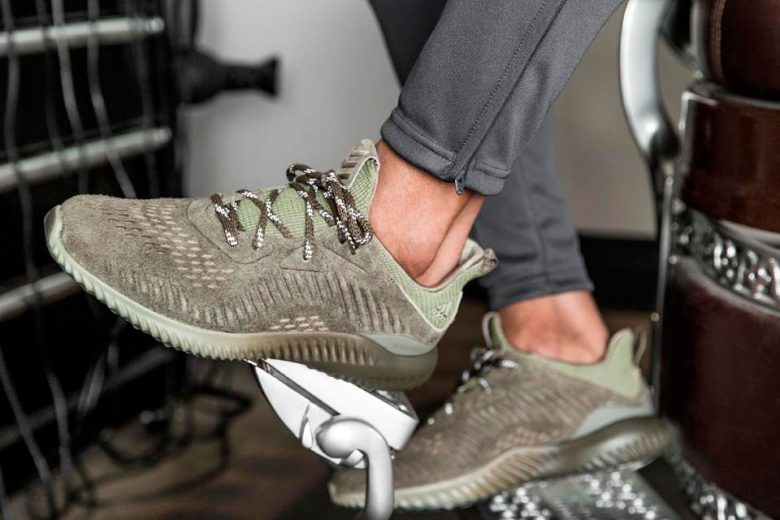 Adidas alphaBounce Suede