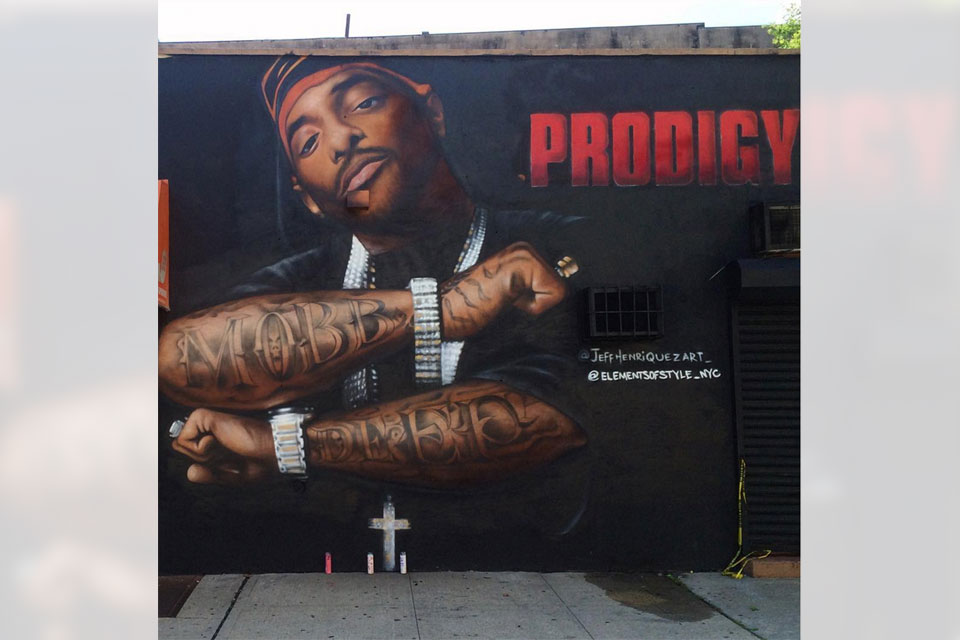 Prodigy honored with mural in queensbridge nyc for Nas mural queensbridge