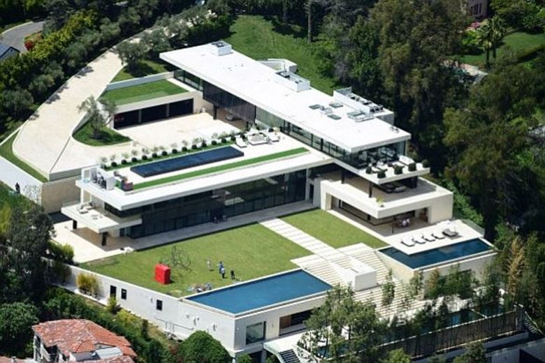 Jay z beyonce buy new bel air mansion for 90 million for Buying a house in los angeles
