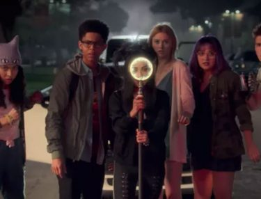 Marvel Runaways Trailer