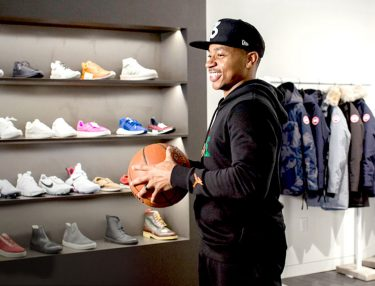 Isaiah Thomas goes Sneaker Shopping