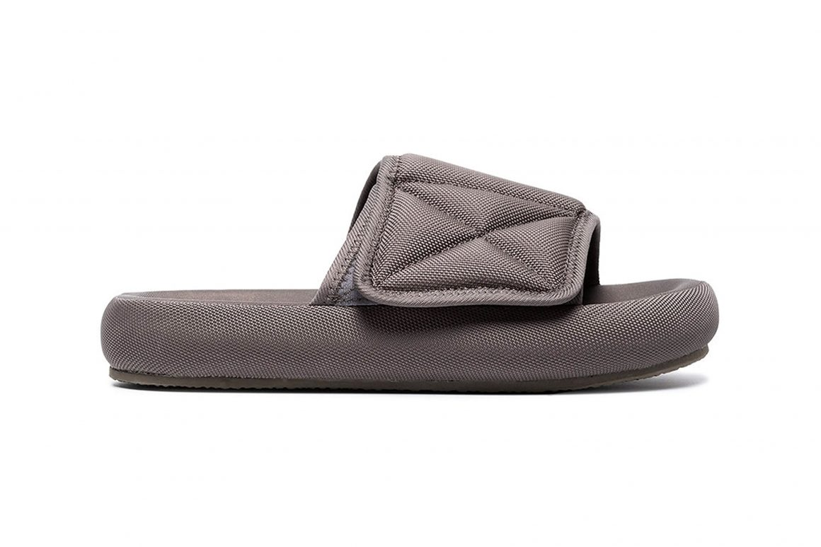 YEEZY Season 6 Slide