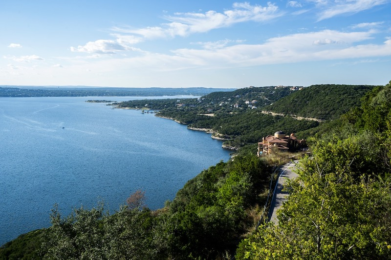 Why Lake Travis is Where You Should Build Your Next Custom House