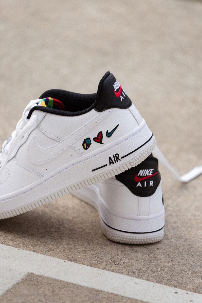 Nike Peace Love Swoosh